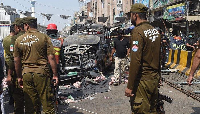 Cop killed, 16 injured in Quetta blast