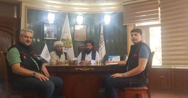 يوه ترکي مؤسسه له افغان بزګرانو سره ۱۰۰ ميټريک ټنه اصلاح شوي تخم مرسته کوي